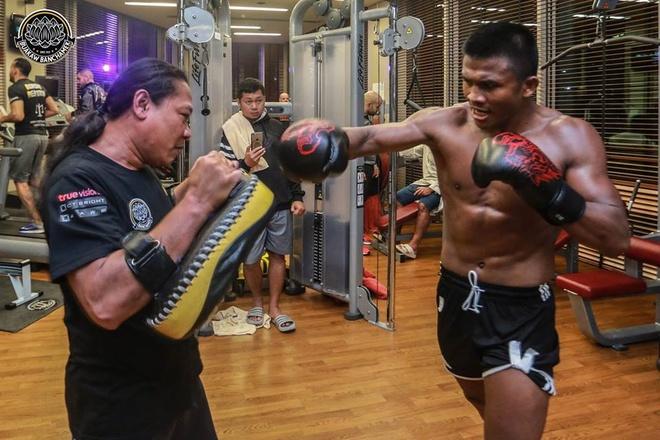 'Thanh Muay Thai' Buakaw co mat tai UAE, san sang giat dai the gioi hinh anh 4