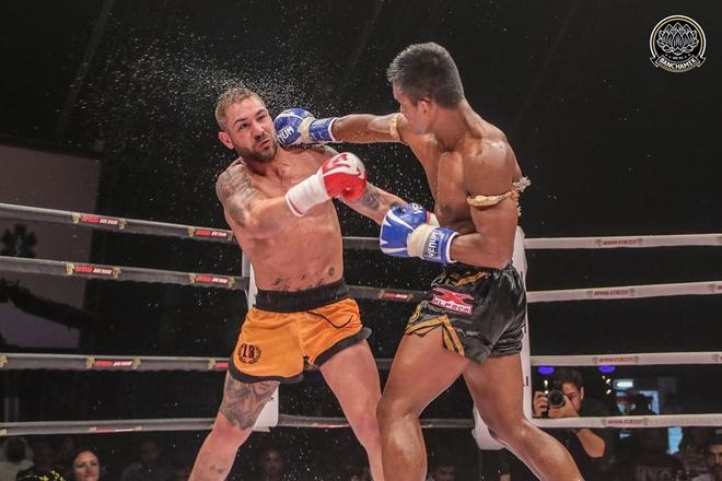 'Thanh Muay Thai' Buakaw thua soc, lo dai vo dich the gioi hinh anh 1