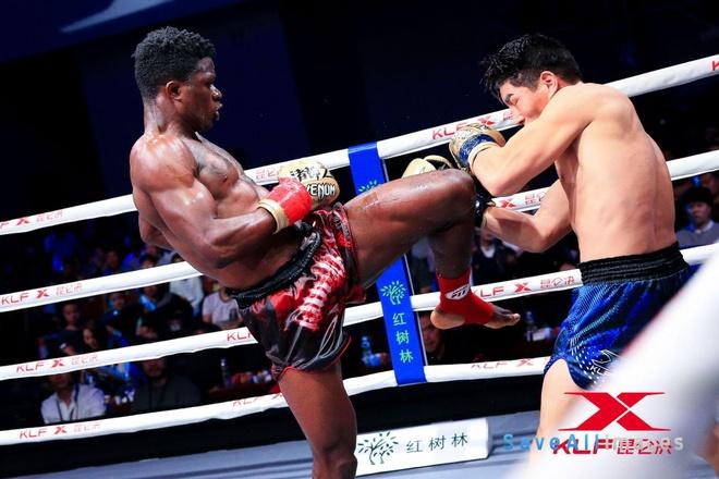 Vo si Trung Quoc thua dau truoc nha vo dich Muay Thai hinh anh