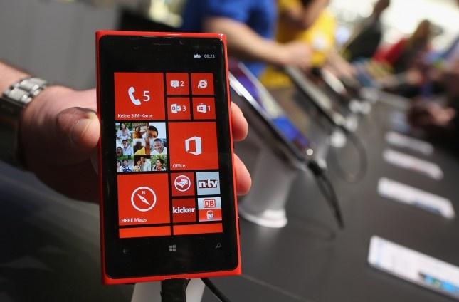 Microsoft da rinh 'con moi' Nokia nhu the nao? hinh anh