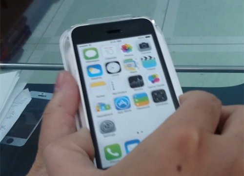 Clip mo hop nhanh iPhone 5C dau tien tai Viet Nam hinh anh