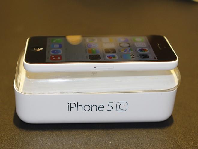 Ba ly do iPhone 5C e va rot gia tai Viet Nam hinh anh 2