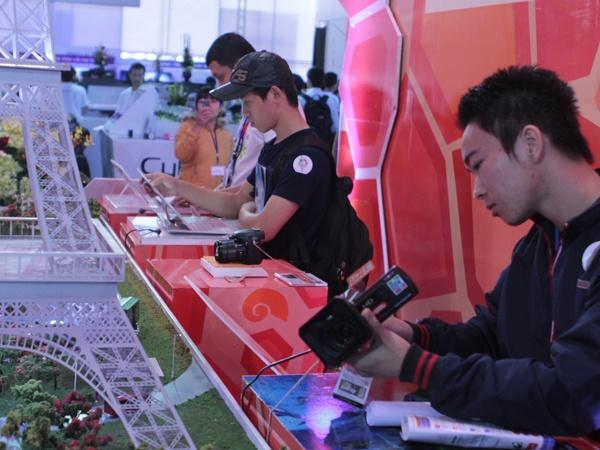 Clip toan canh Sony Show 2013 tai Ha Noi hinh anh