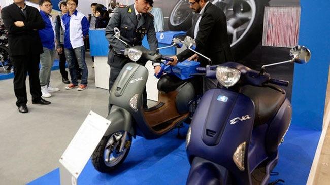Hon chuc xe 'nhai' Piaggio Vespa va Honda PCX bi tich thu hinh anh 1