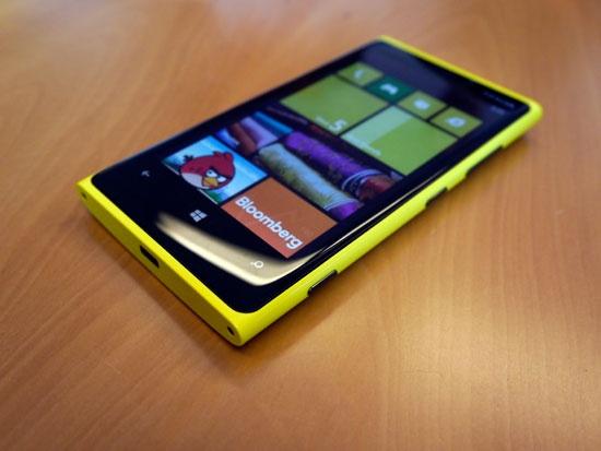 5 smartphone cu gia tot dang mua hinh anh