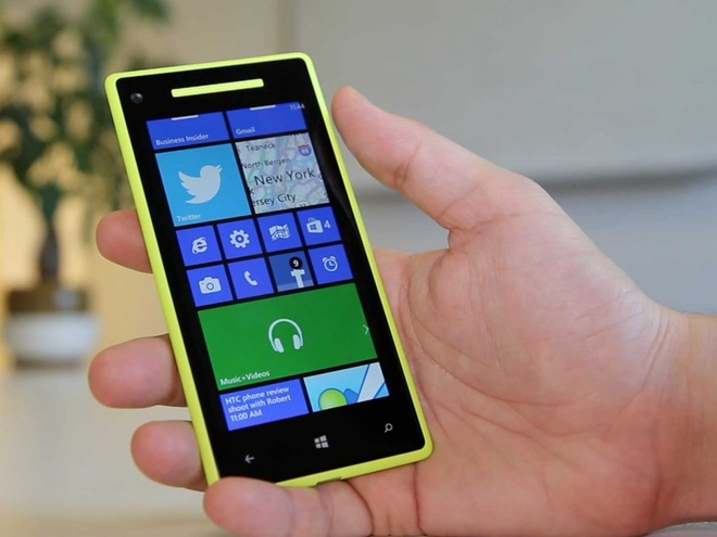 HTC 8X giam gia soc tu 13,8 con 4,4 trieu dong hinh anh 1