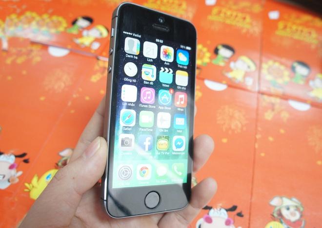 iPhone 5S chung gia, ban cham truoc Tet hinh anh 1