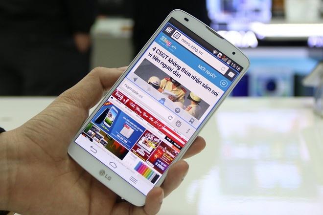 LG G Pro 2 gia 14 trieu dong, ban cuoi thang 4 hinh anh 1 Sản phẩm của LG vẫn duy trì được mức giá tốt. Ảnh: Duy Tín.