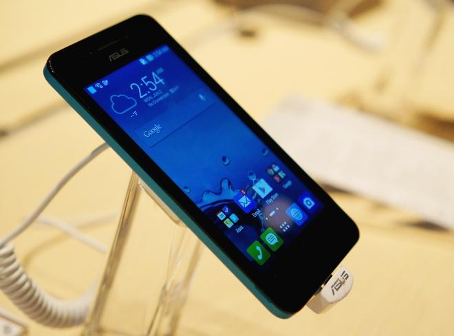 Zenfone 4 ban 4,5 inch co gia duoi 3 trieu tai VN hinh anh