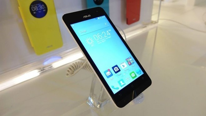 Asus Zenfone 5 do thong so voi Nokia XL hinh anh