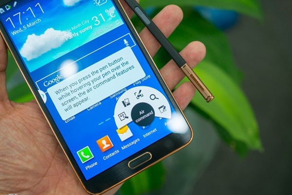 Nhung smartphone chinh hang ha gia manh thang 6 hinh anh