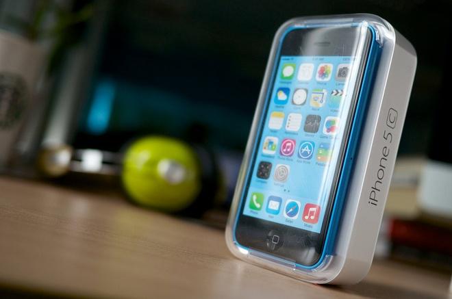 iPhone 5C chinh hang ha gia soc, con 8,5 trieu dong hinh anh