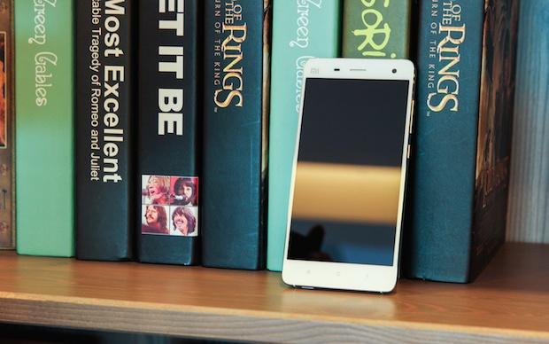 Anh thuc te Xiaomi Mi4: smartphone bom tan gia 6,7 trieu hinh anh