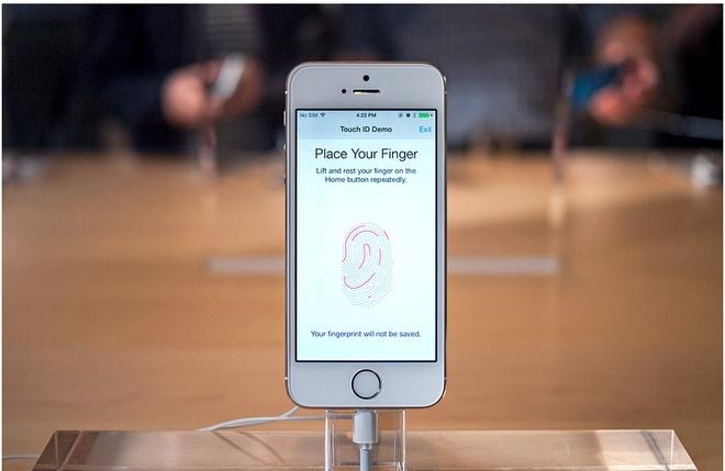 iPhone 5S xach tay lan dau xuong duoi 14 trieu hinh anh