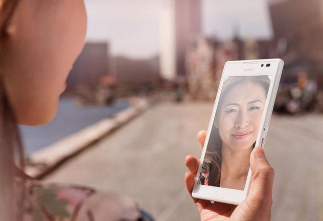 5 smartphone tam trung dang cho doi nhat cuoi nam 2014 hinh anh