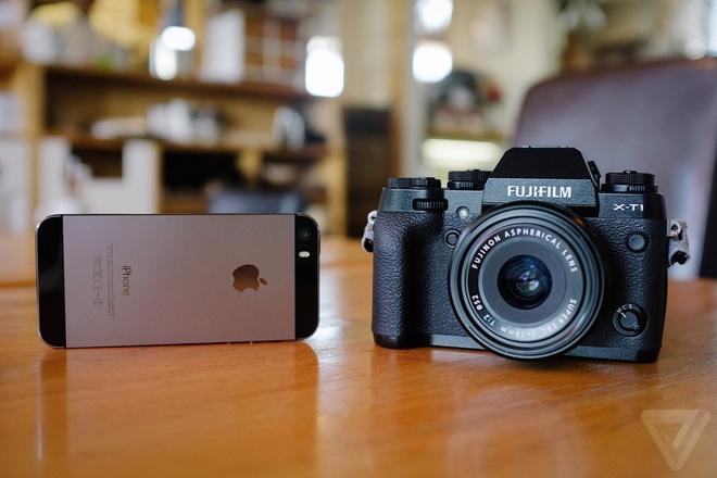 iPhone 5S do suc manh voi may anh mirrorless cua Fujifilm hinh anh