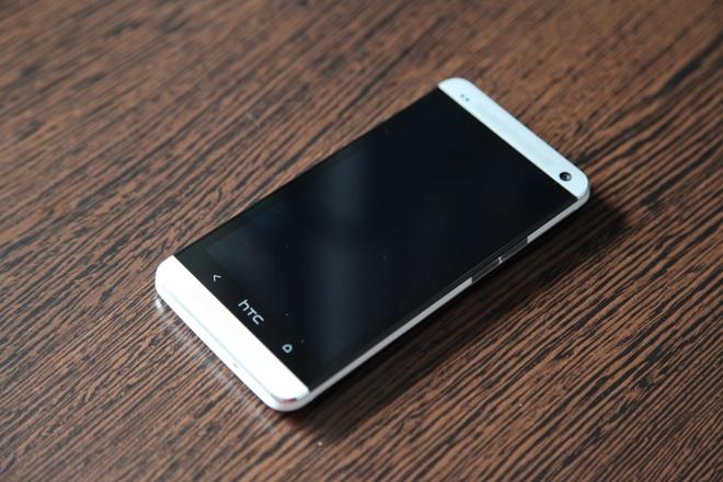 5 smartphone tam trung gia tot sap ban tai VN hinh anh 2