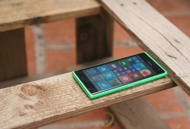 Danh gia Lumia 730: Thiet ke huyen thoai, selfie cao cap hinh anh 1