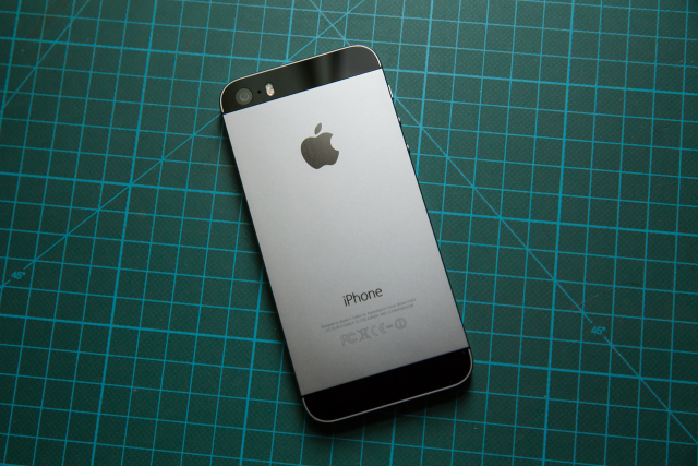 7 smartphone dep nen chon cho phai nu trong ngay 20/10 hinh anh 1