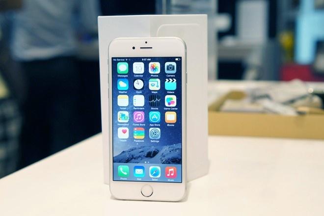 iPhone 6 xach tay chay hang, ruc rich tang gia o Ha Noi hinh anh