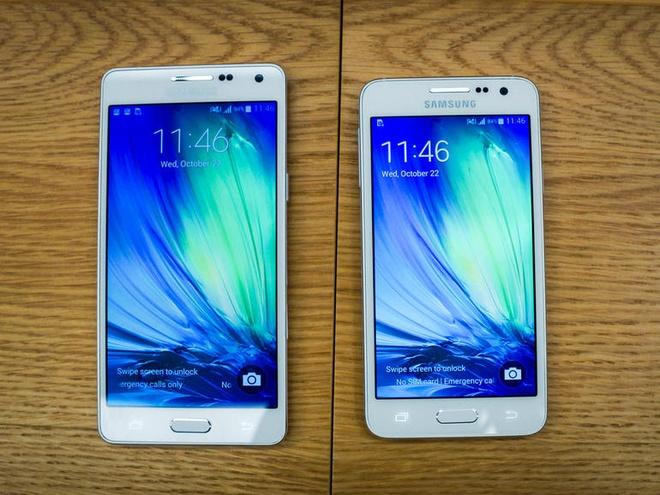 Anh thuc te 2 smartphone kim loai sieu mong Galaxy A3, A5 hinh anh 1