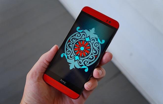 Ban vo nhua cua HTC One M8 bat ngo giam gia 2 trieu tai VN hinh anh