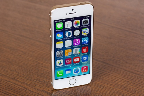 iPhone 5S chinh hang ban duoi gia de xuat 1,5 trieu dong hinh anh