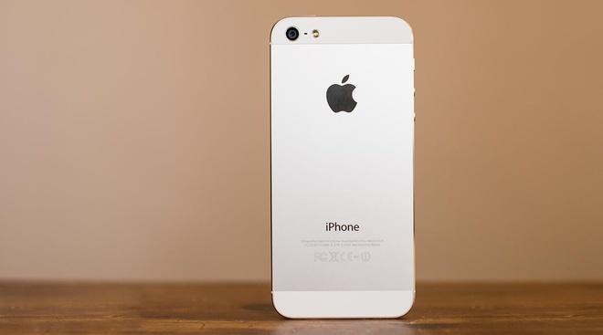 iPhone 5 hang tan trang bat ngo ban lai tai My, gia 5 trieu hinh anh
