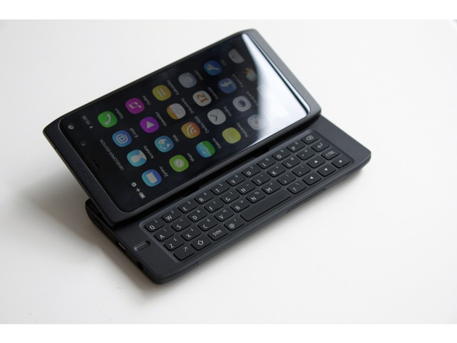 Nokia N950 chua tung ra mat bat ngo rao ban tren mang hinh anh