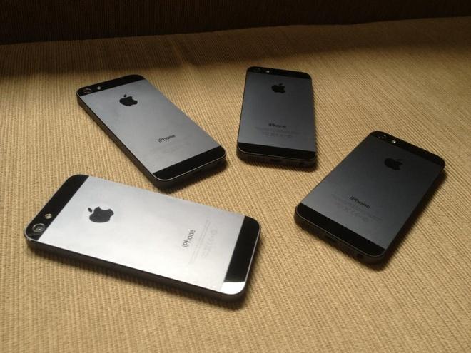 Tranh cai ve chat luong cua iPhone khoa mang hinh anh