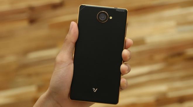 Nhung smartphone dung luong lon nhat dang ban tai VN hinh anh 11