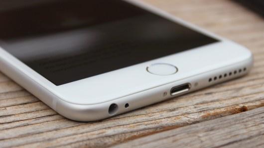 Lo cau hinh iPhone 6S voi camera selfie 5 cham hinh anh