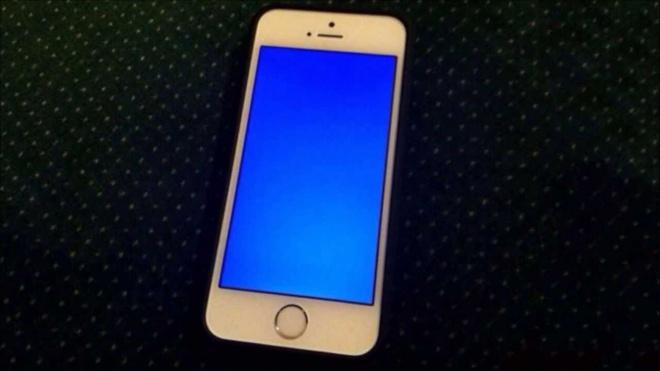 Nhieu iPhone tai My dinh loi 'man hinh xanh chet choc' hinh anh