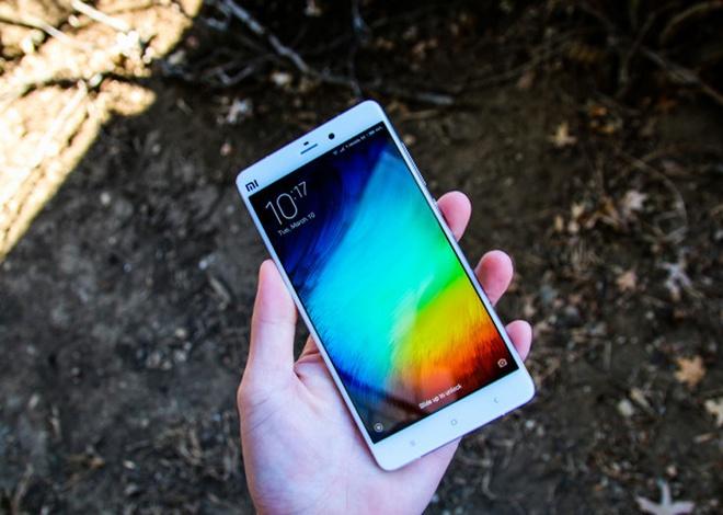 Dien thoai Samsung va Xiaomi bi nhai nhieu nhat hinh anh