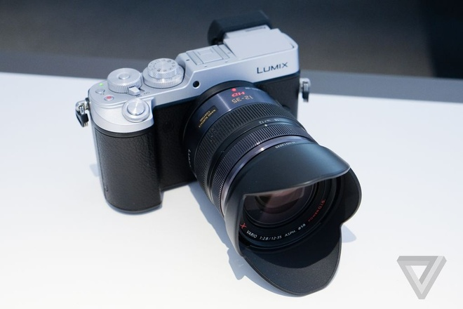 May anh mirrorless Panasonic Lumix GX8 co gia 1.200 USD hinh anh 1 Lumix GX8 sẽ gia nhập sân chơi mirrorless giữa tháng 8 tới. Ảnh: The Verge.