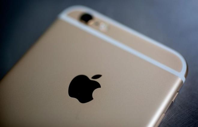Khach du lich an trom do co de mua iPhone hinh anh