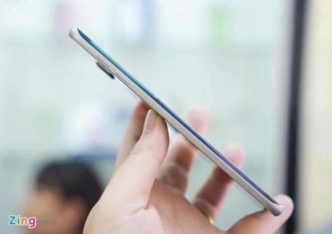 Galaxy S6 Edge+ man hinh cong ve VN voi gia gan 19 trieu hinh anh 3