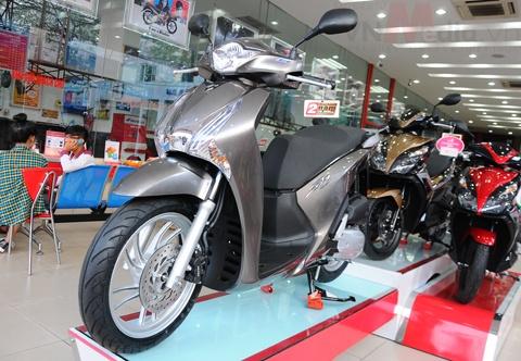 Xe may Honda khan hang, doi gia trong thang Ngau hinh anh 1 Giá SH cao hơn đề xuất tới 10 triệu đồng do không có hàng