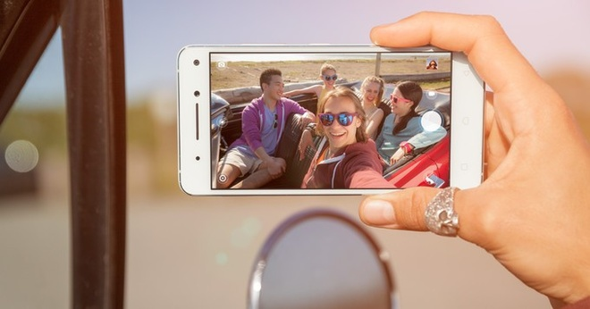 Smartphone voi 2 camera truoc cua Lenovo hinh anh