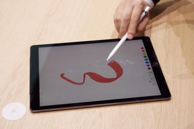 Anh thuc te iPad Pro: Man hinh 12,9 inch, hieu nang cao hinh anh 11
