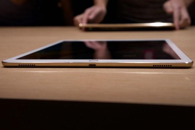 Anh thuc te iPad Pro: Man hinh 12,9 inch, hieu nang cao hinh anh 5