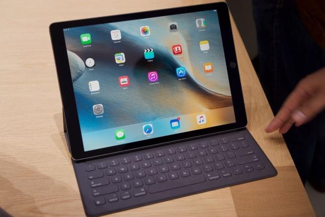 Anh thuc te iPad Pro: Man hinh 12,9 inch, hieu nang cao hinh anh 6