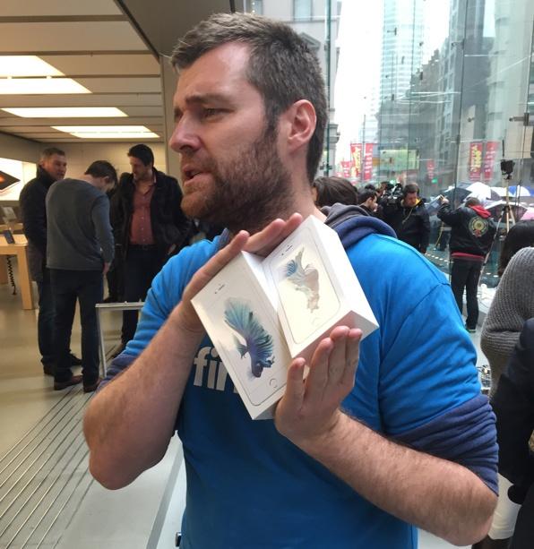 Chay ra san bay ve Viet Nam sau khi mua iPhone 6S hinh anh 8