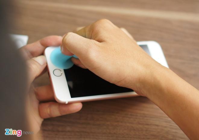 iPhone 6S Plus dau tien bi thao tung linh kien tai VN hinh anh 2