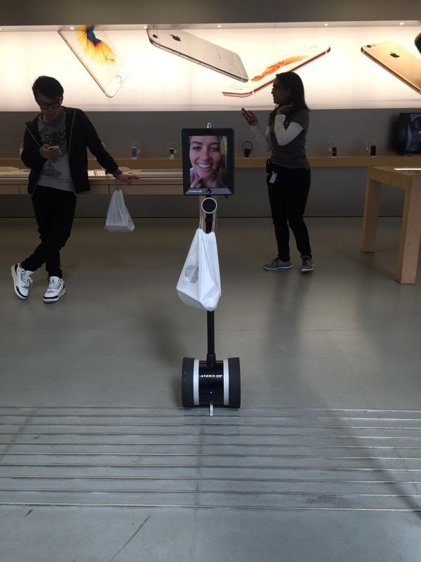 Chay ra san bay ve Viet Nam sau khi mua iPhone 6S hinh anh 7
