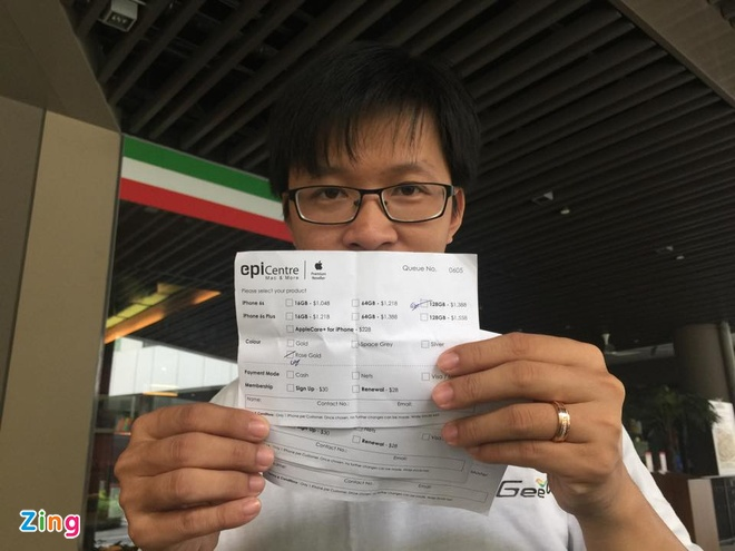 Chay ra san bay ve Viet Nam sau khi mua iPhone 6S hinh anh 18