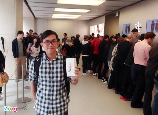 Chay ra san bay ve Viet Nam sau khi mua iPhone 6S hinh anh 23