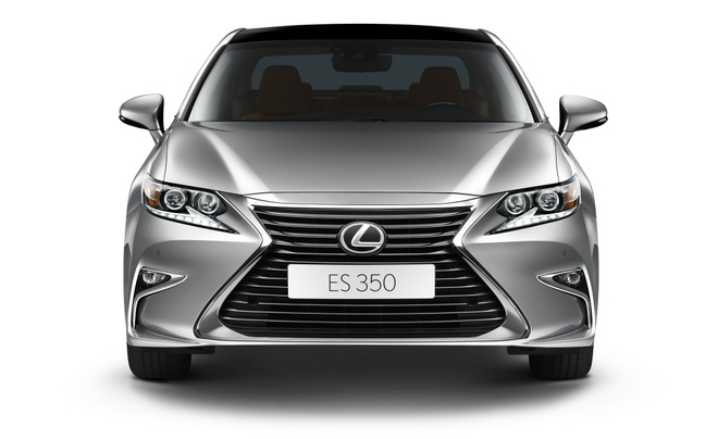 Lexus ES350 the he moi ve Viet Nam, gia tu 2,7 ty dong hinh anh 2