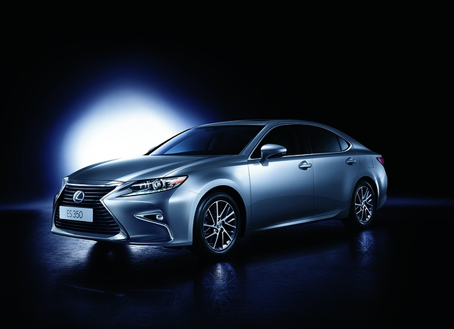 Lexus ES350 the he moi ve Viet Nam, gia tu 2,7 ty dong hinh anh 1