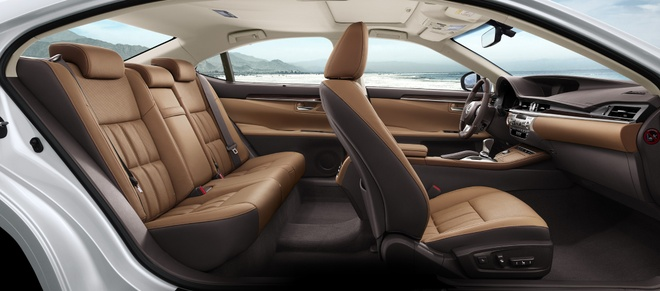 Lexus ES350 the he moi ve Viet Nam, gia tu 2,7 ty dong hinh anh 5